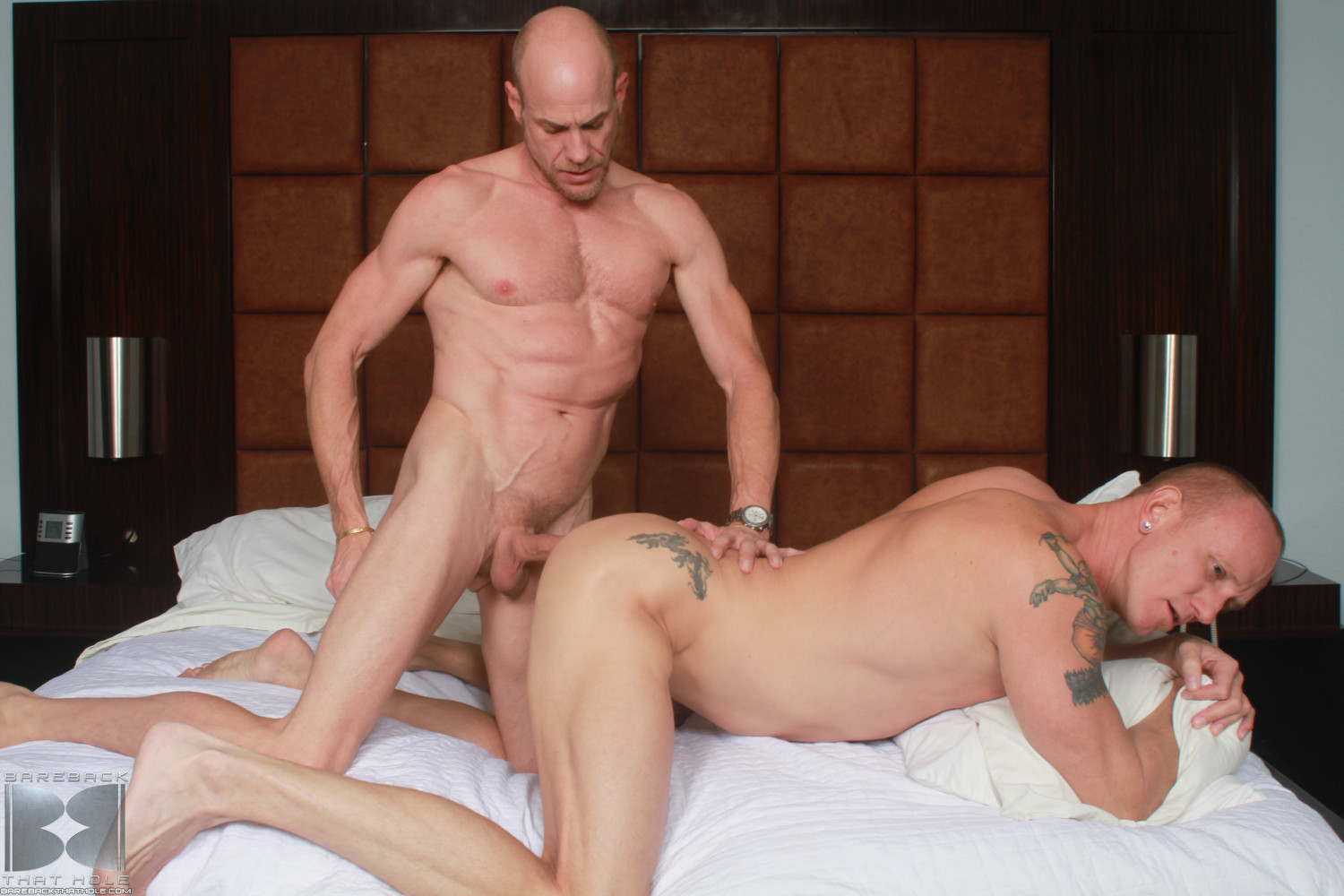 Bareback-That-Hole-Parker-and-Mason-Garet-Muscle-Daddy-Barebacking-06 Amateur Muscle Daddy Fucks His Buddy Bareback With His Big Cock