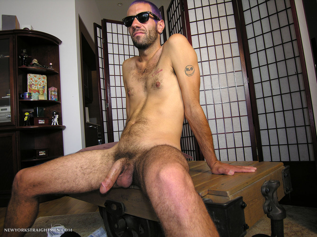 New-York-Straight-Men-Straight-Hipster-Gets-His-Cock-Sucked-Amateur-Gay-Porn-04 Straight NYC Hipster With Hairy Cock Gets His First Blow Job From A Guy
