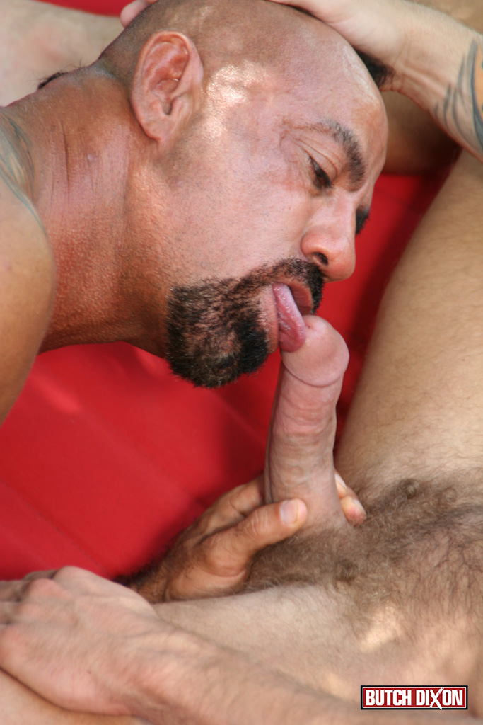 Butch-Dixon-Bo-Bangor-and-Drake-Jaden-Barebacking-Daddy-Muscle-Tatted-Stud-Amateur-Gay-Porn-11 Tatted Muscle Daddy Fucks His Younger New Neighbor Outside