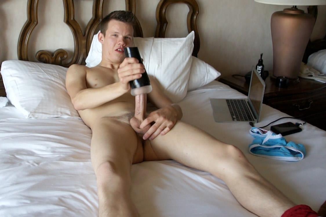 Bentley-Race-Kevin-Kobe-Big-Cock-Las-Vegas-Boy-Jerking-Off-Amateur-Gay-Porn-18 Vegas Rent Boy Cums Like A Volcano In Vegas Strip Hotel