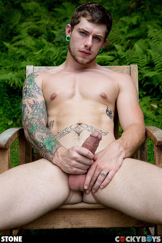 image Tatooed straight guy big cock on cam