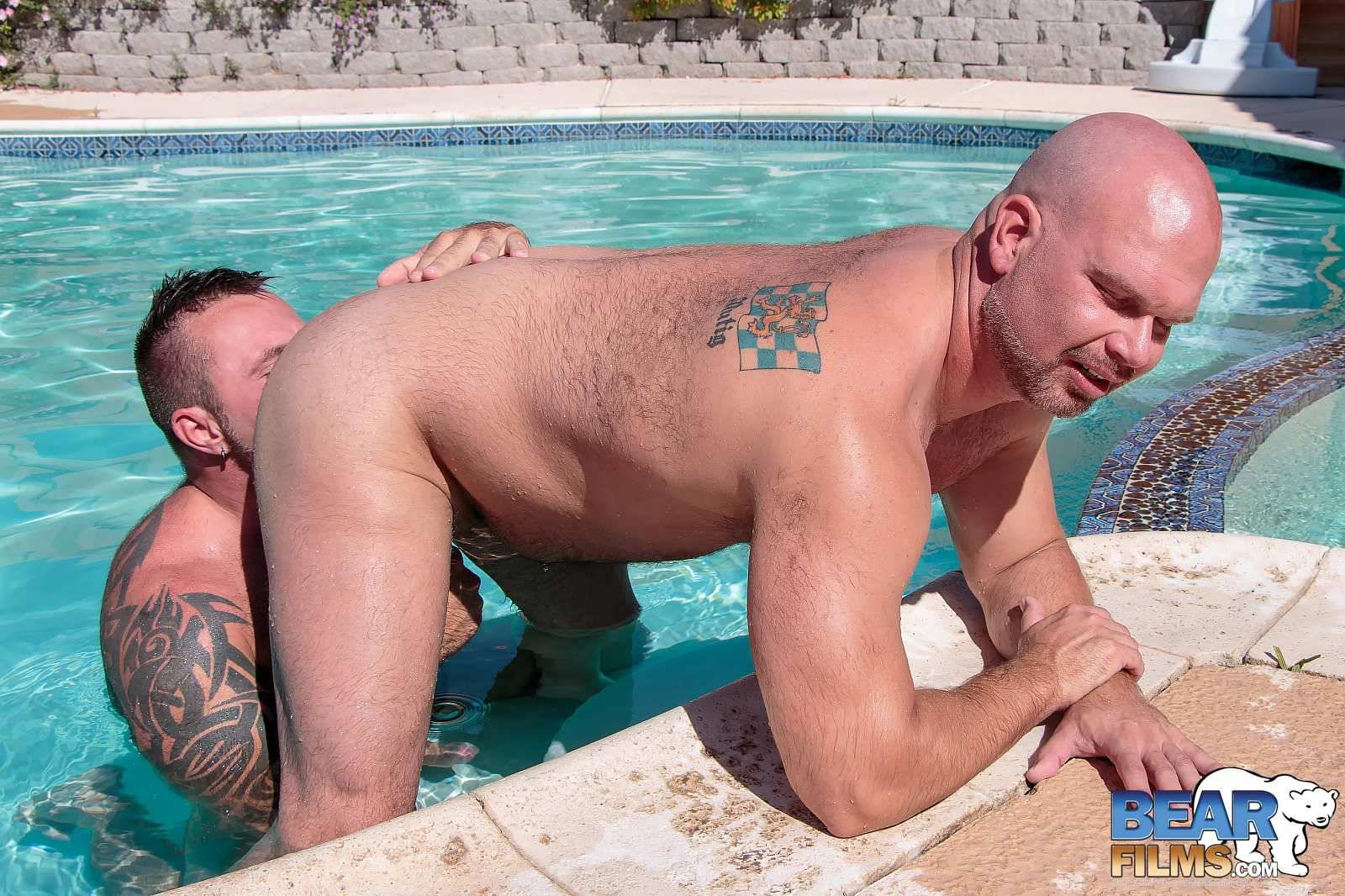 Bear-Films-Marc-Angelo-and-Wade-Cashen-Hairy-Muscle-Bears-Fucking-Bearback-Amateur-Gay-Porn-10 Hairy Muscle Bears Fucking Bareback At The Pool