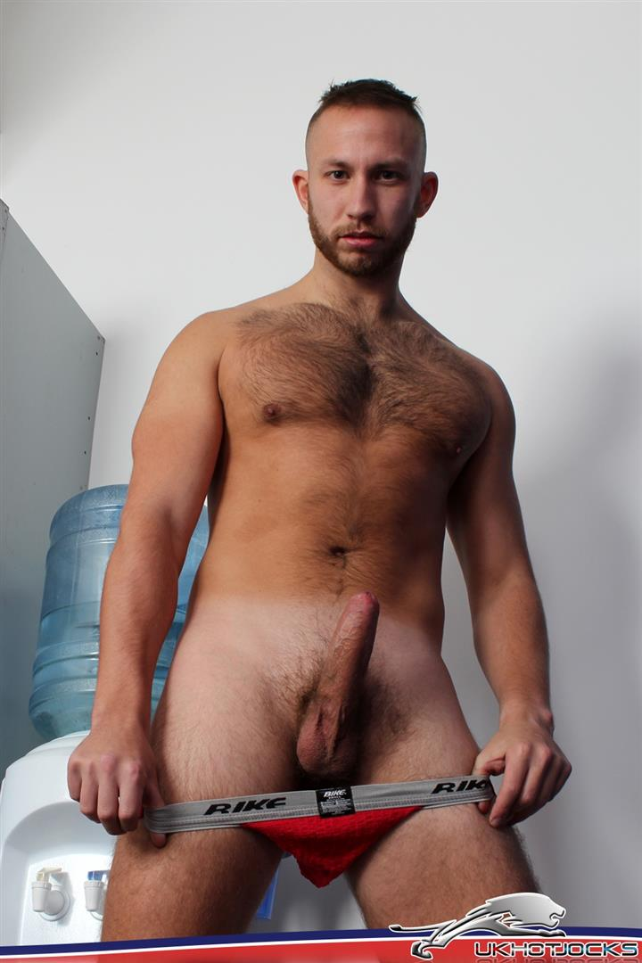 UK-Hot-Jocks-Brent-Taylor-Hairy-Muscle-Jock-With-A-Big-Uncut-Cock-Jerking-Off-Amateur-Gay-Porn-08 UK Hairy Muscle Jock Brent Taylor Jerking His Big Uncut Cock