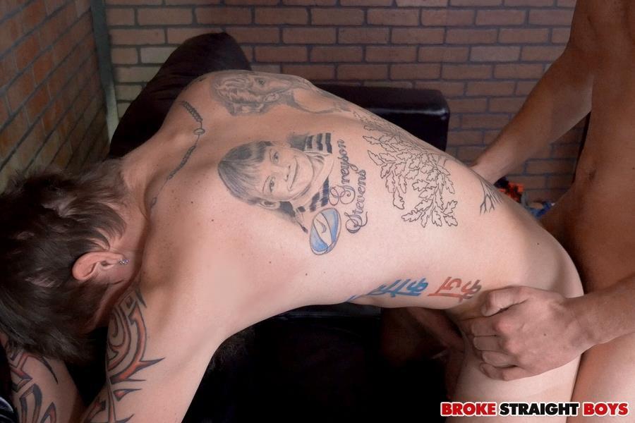 Broke-Straight-Boys-Cage-Kafig-and-James-Andrews-Straight-Boys-Barebacking-Amateur-Gay-Porn-19 Straight Boy Cage Kafig Takes It Up The Ass Bareback For Cash