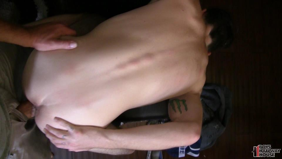 Boys-Halfway-Half-Wayne-Straight-Young-Prison-Thug-Gets-Barebacked-Amateur-Gay-Porn-18 Straight Halfway House Boy Takes A Cock Bareback And Gets Cum In The Face